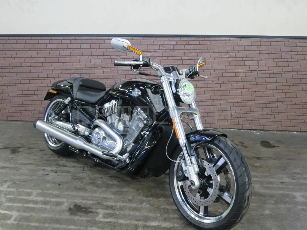 Harley-Davidson-V-Rod-Muscle-4879km-3