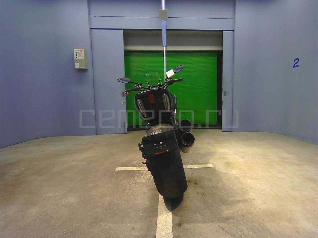 Ducati Diavel Black (4)