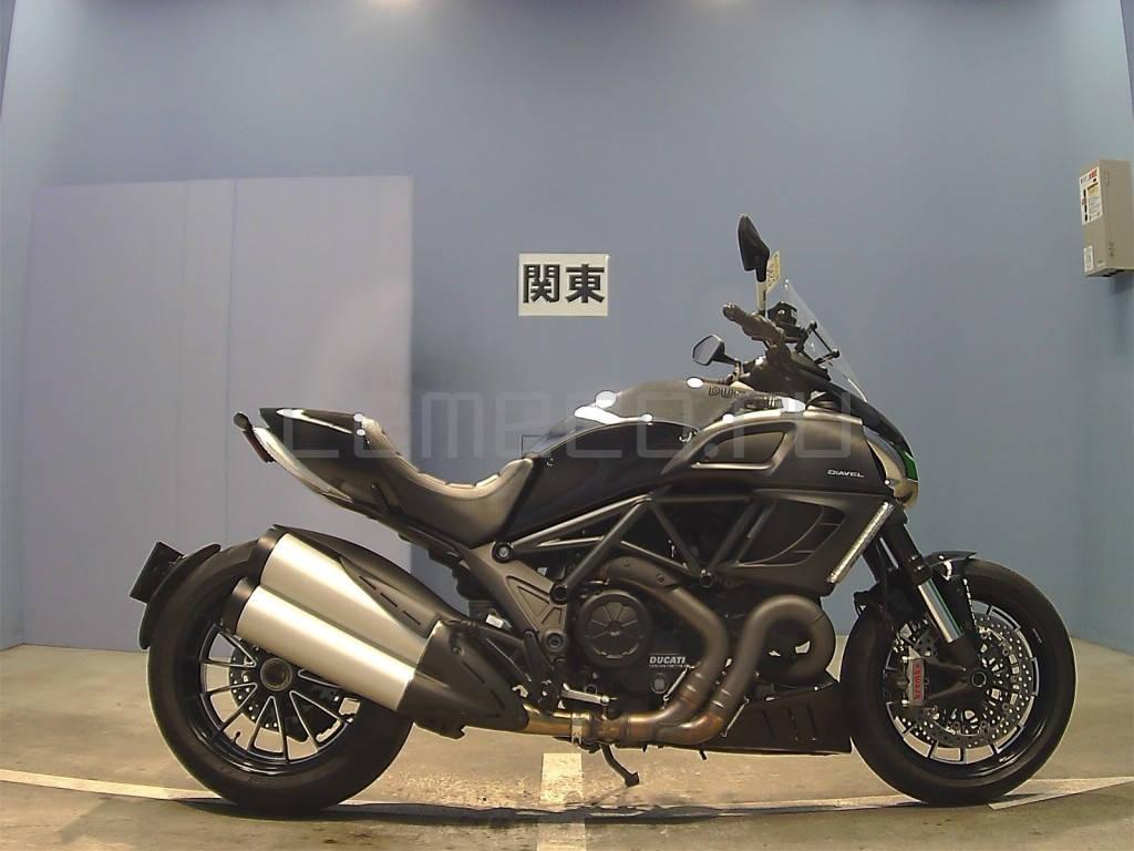 Ducati Diavel Black (2)