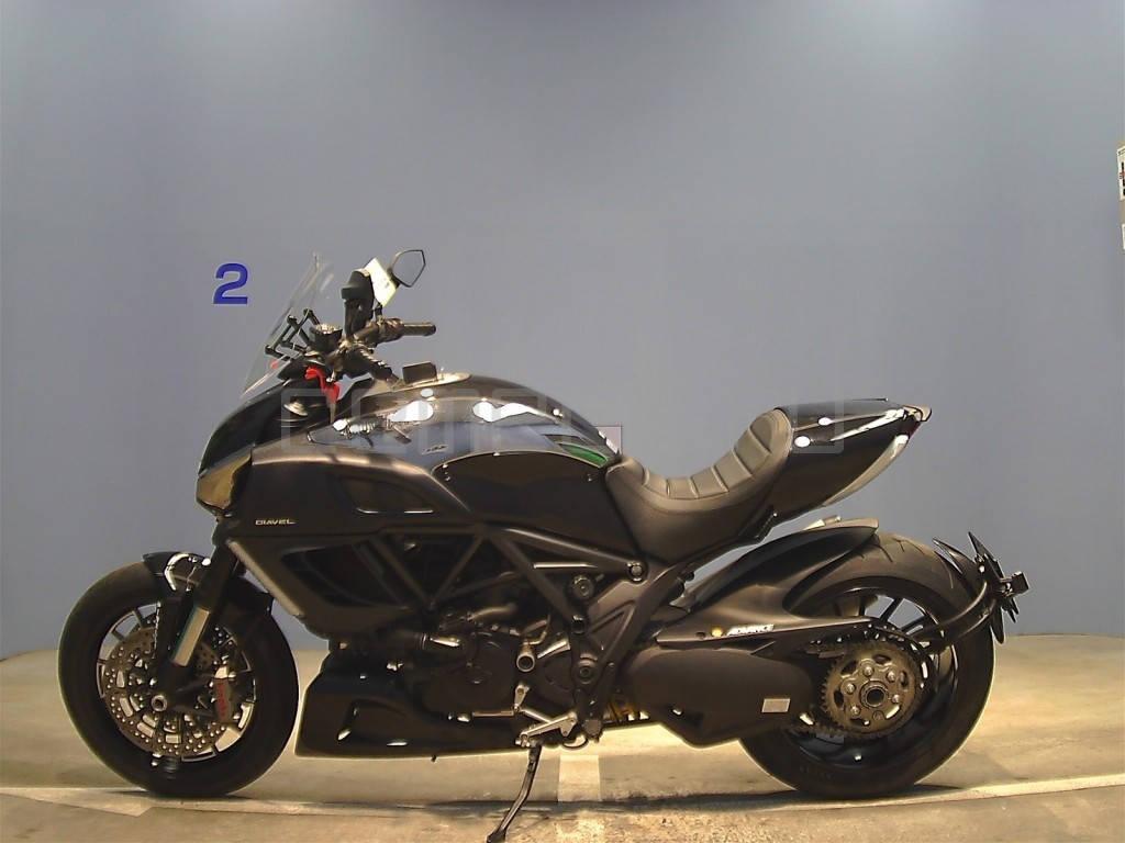 Ducati Diavel Black (5)