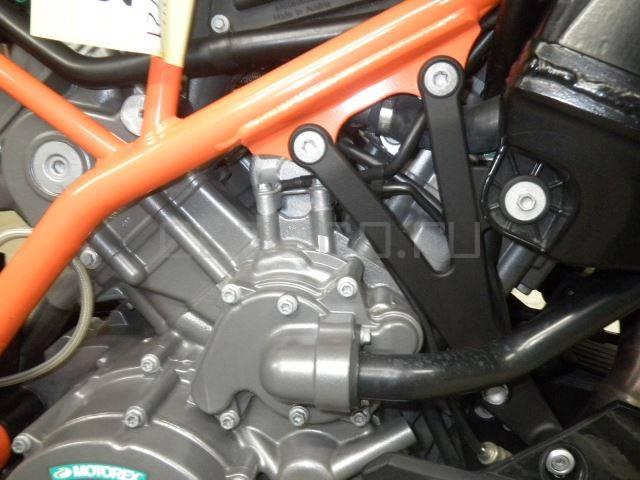 KTM 990 Super Duke R (9)
