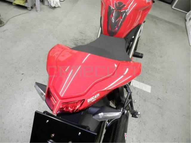 Ducati StreetFighter S (18)