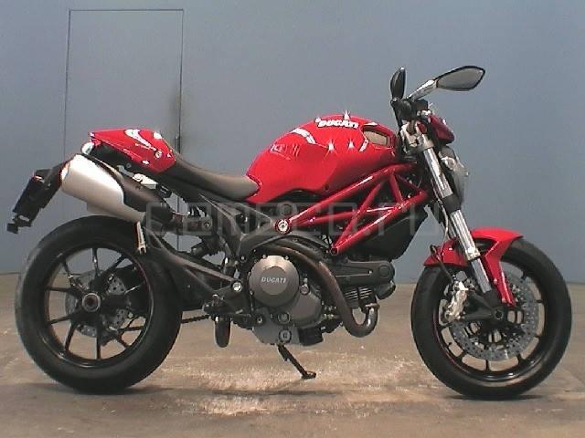 Ducati Monster 796 (1)