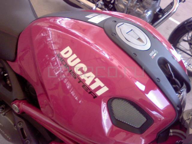 Ducati Monster 796 (4)