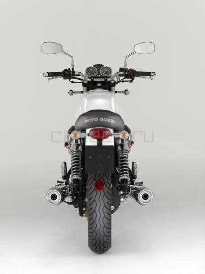2008-MotoGuzzi-V7