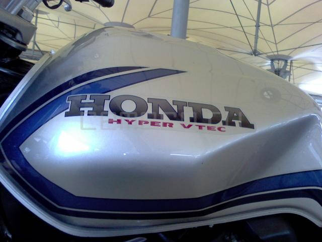 Honda CB400 SFV (8)