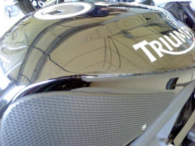 Triumph Daytona 675 (7)