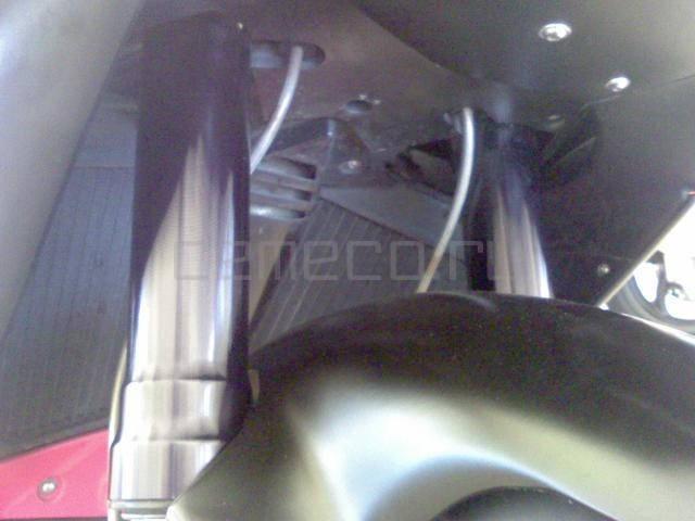 Aprilia RSV Mille 1000 R (3)