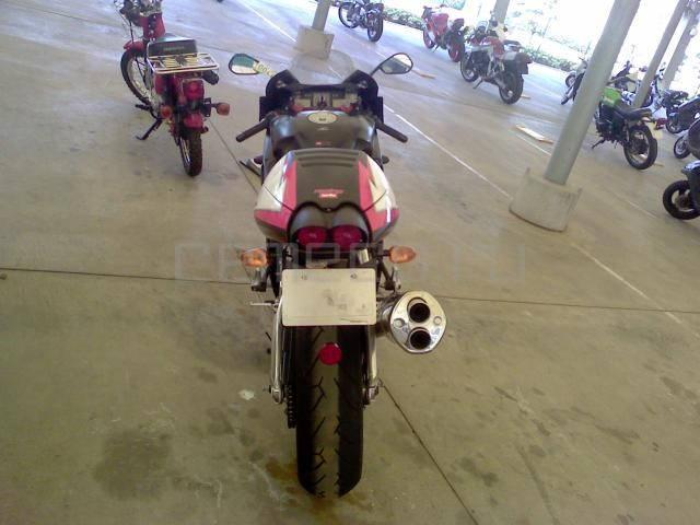 Aprilia RSV Mille 1000 R (9)