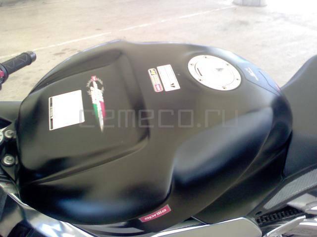 Aprilia RSV Mille 1000 R (7)