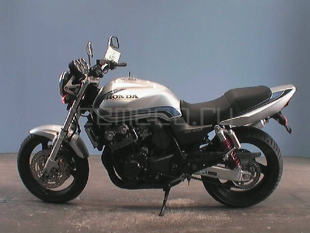 Honda CB400 SFV (1)