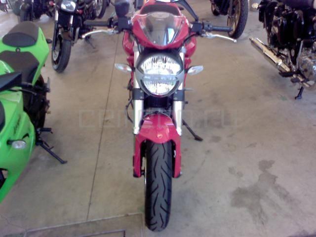 Ducati Monster 796 (3)