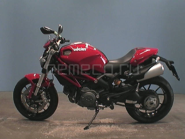 Ducati Monster 796 (8)
