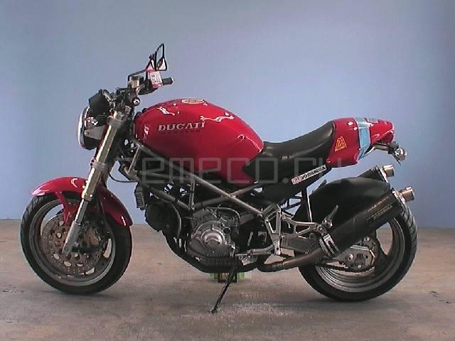 Ducati M900 Monster (2)