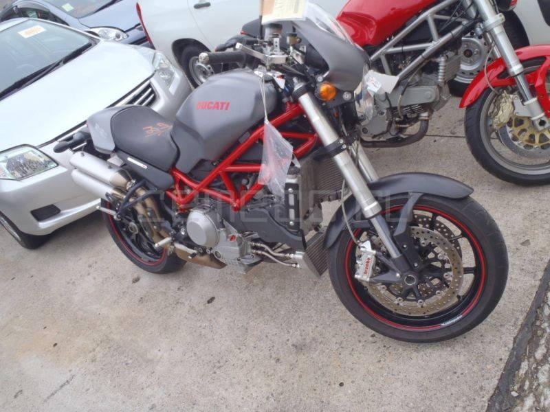 Ducati-S4RS-Testastretta (2)