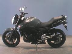 Suzuki GSR 400