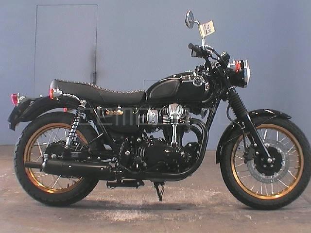 Kawasaki W 800 (1)
