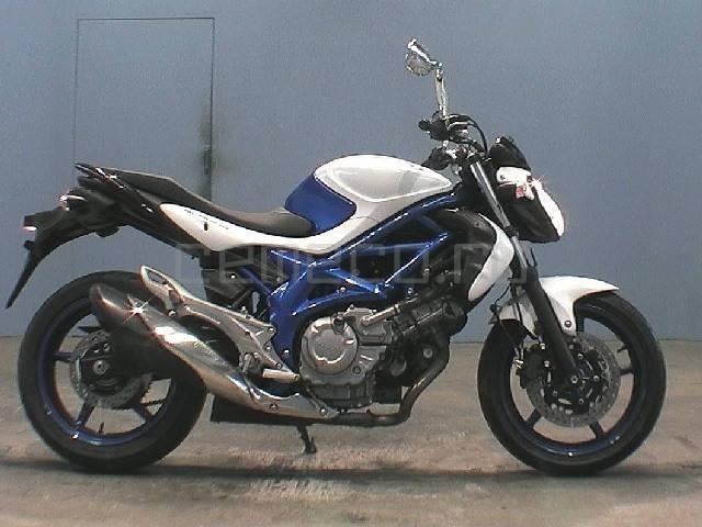 Suzuki Gladius (1)