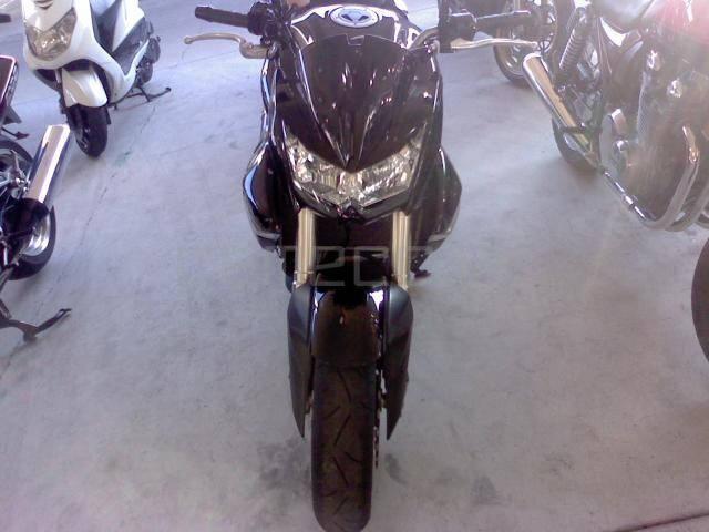 Kawasaki Z 1000 (4)