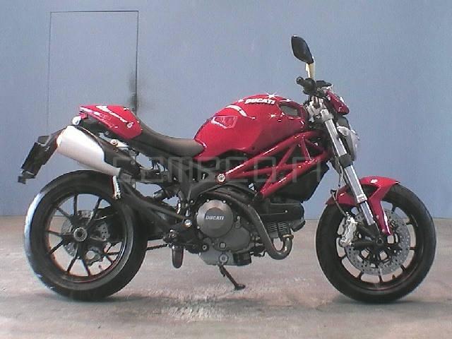 Отзыв: Atri — Ducati Monster 796