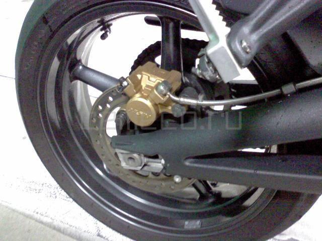 Мотоцикл Triumph Street Triple R (16)