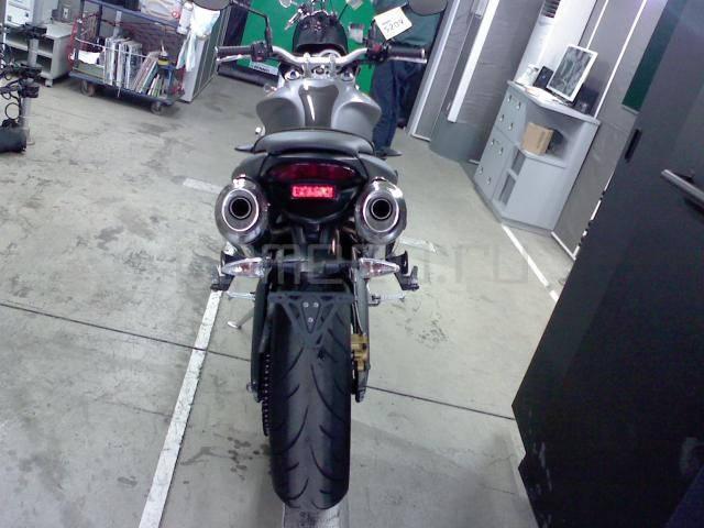 Мотоцикл Triumph Street Triple R (3)