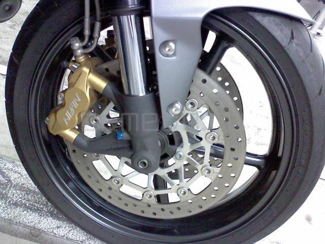 Мотоцикл Triumph Street Triple R (8)