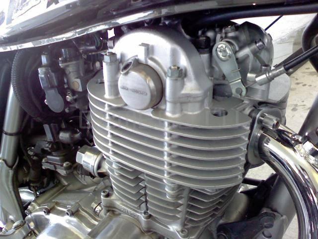 Yamaha SR 400 (6)