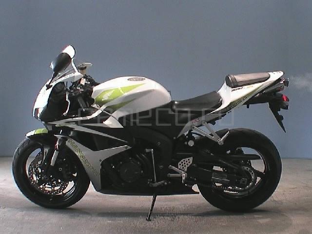 Honda CBR 600RR (2)