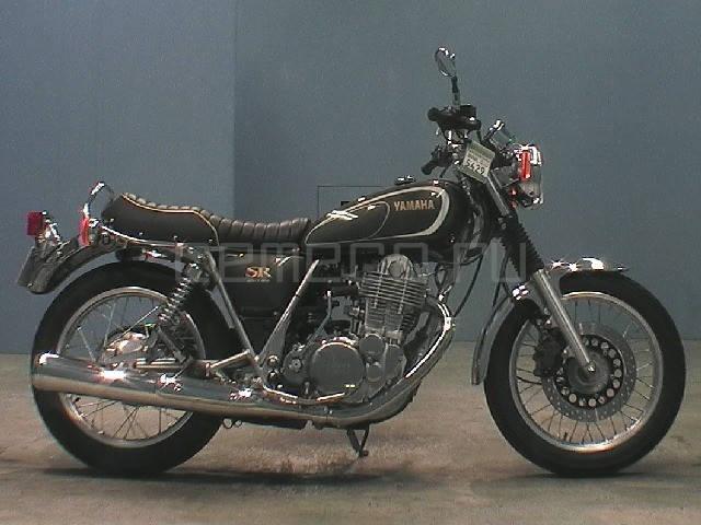 Yamaha SR 400 (1)