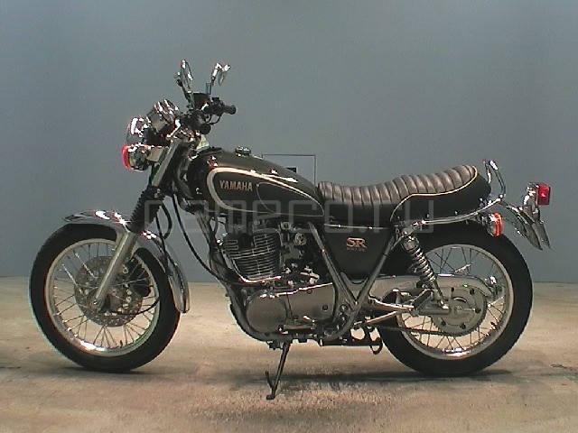 Yamaha SR 400 (2)