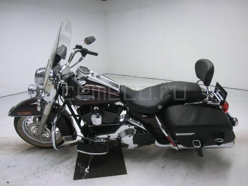 Harley Davidson FLHRC Road King classic (2)
