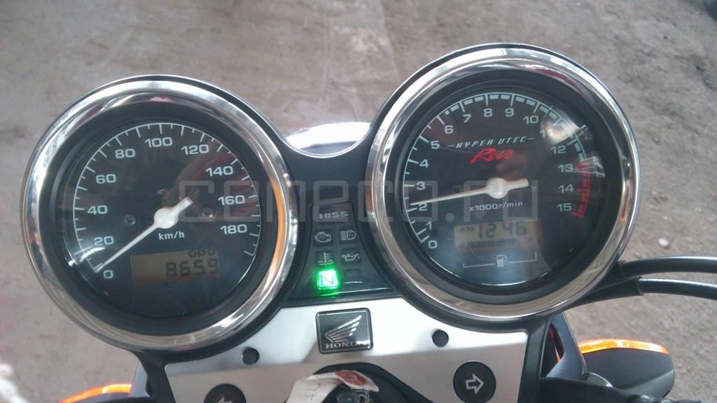 CB 400 SUPER FOUR HYPER VTEC 4 (1)