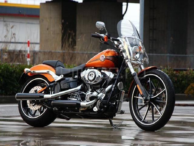 Harley-Davidson Softail Breakout (1)
