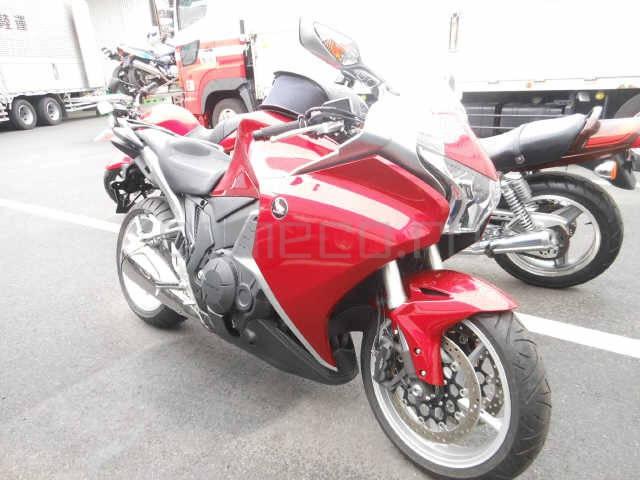 Мотоцикл Honda VFR1200F (1)