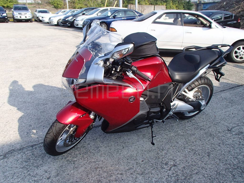 Honda VFR1200F (7)