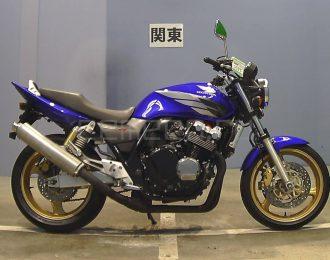 Honda CB400 Super Four 3