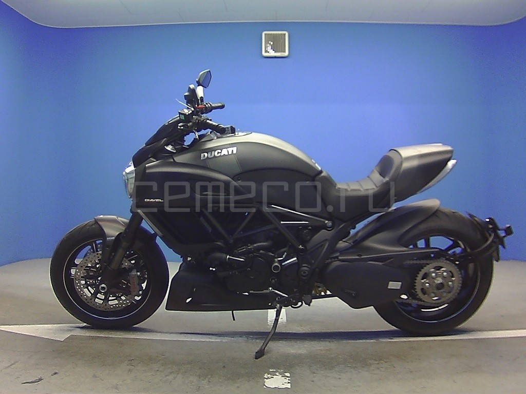 Ducati Diavel Carbon 2016 (2)