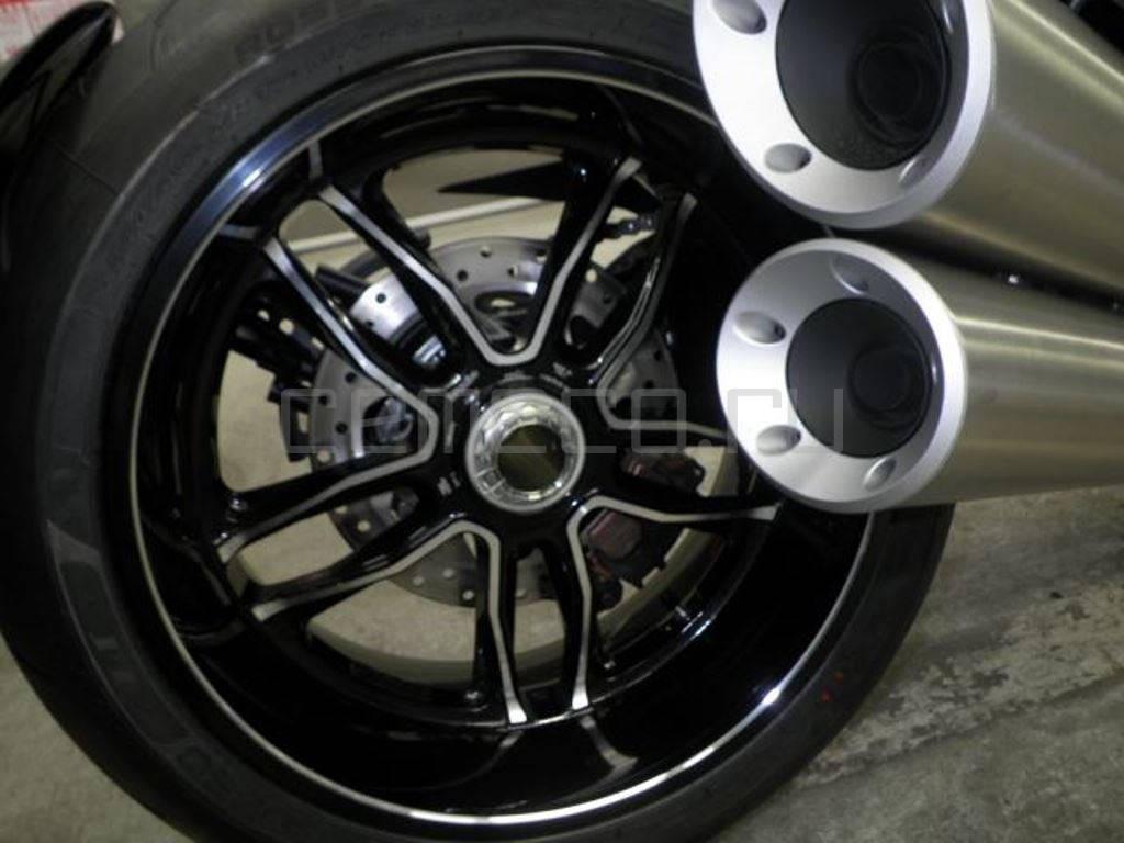 Ducati Diavel Carbon 2016 (23)