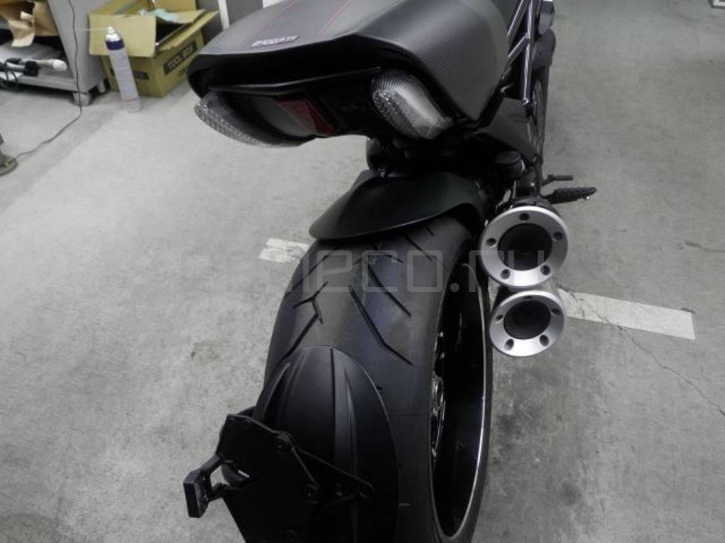 Ducati Diavel Carbon 2016 (26)