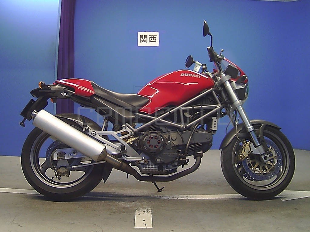 Ducati Monster 900 SIE (1)