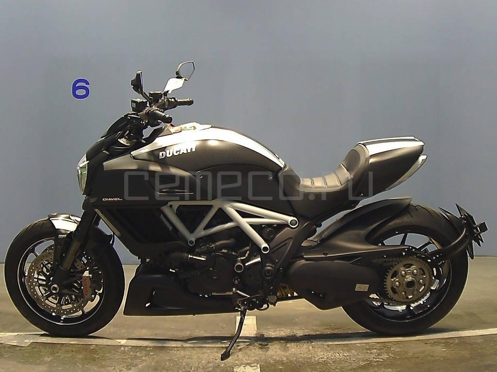 Ducati Diavel Carbon White 2014 (2)