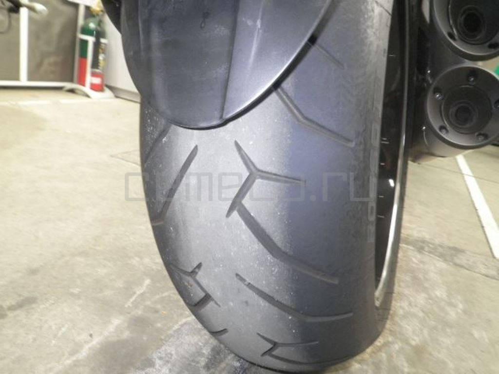 Ducati Diavel Carbon White 2014 (24)