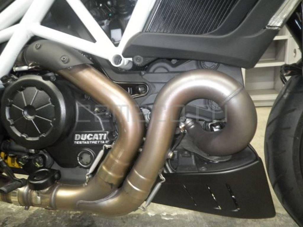 Ducati Diavel Carbon White 2014 (28)