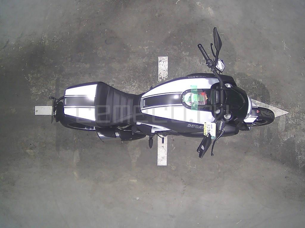 Ducati Diavel Carbon White 2014 (6)