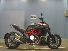 Ducati Diavel Carbon 2015 (1)