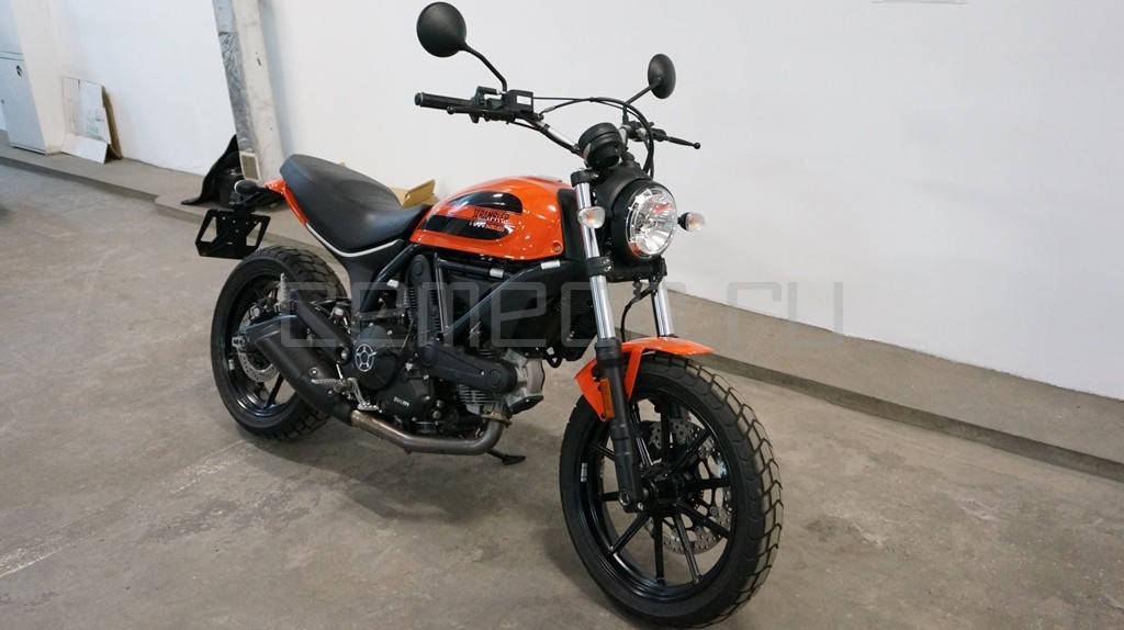 Ducati Scrambler Sixty2 (4)
