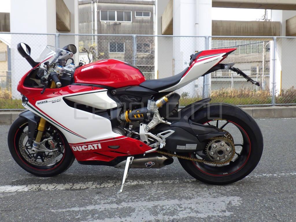 Ducati 1199 Panigale S Tricolore (2)