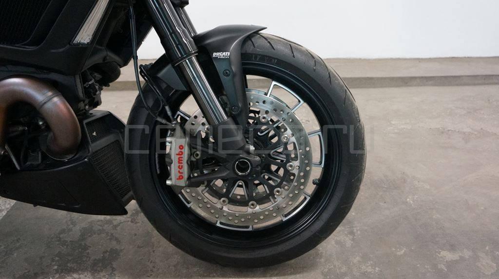 Ducati Diavel Dark (16)