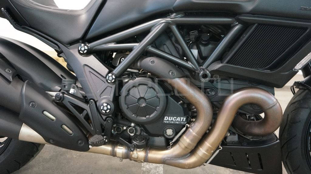 Ducati Diavel Dark (17)